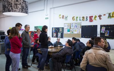 Voluntarios y estudiantes de prácticas en el Club Social Can Gelabert