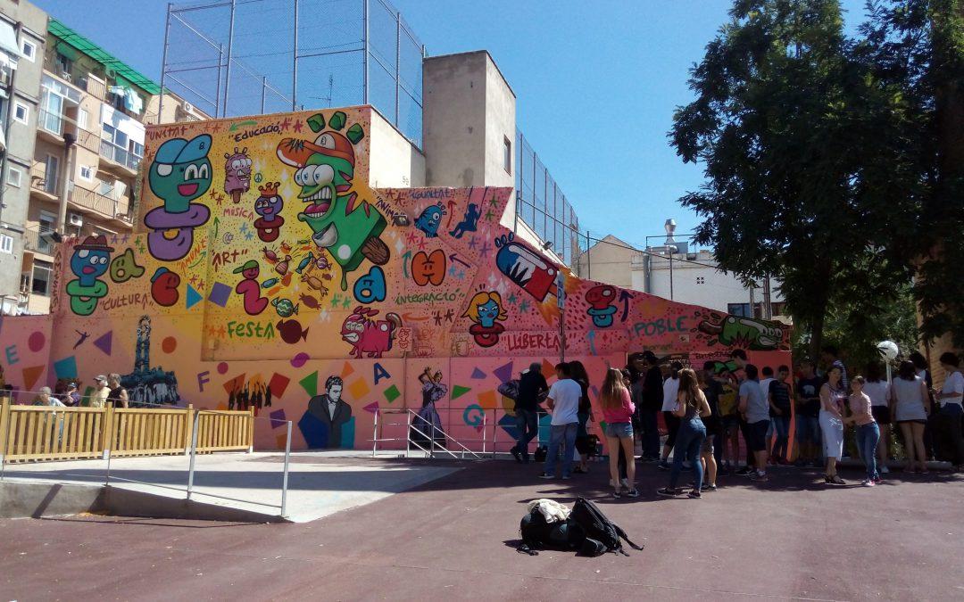 L'acidH i altres entitats de Gràcia s'uneixen per pintar un mural col·laboratiu