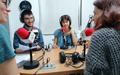 Professionales y alumnos de los Itinerarios de Fomación Específicos (IFE) de acidH, en el programa INCLOU-ME, de Ràdio Trinijove